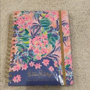 New Lilly Pulitzer 17 month agenda